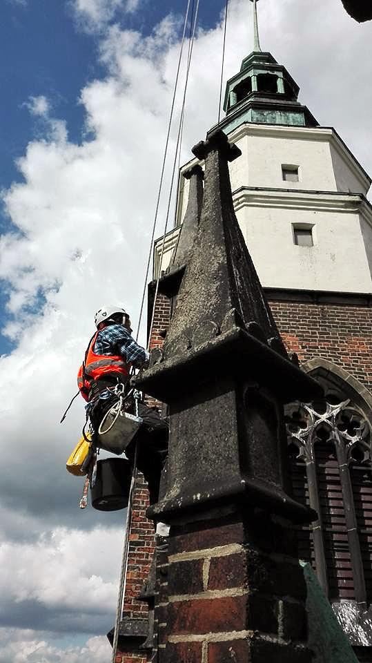 Реставрація фасадів на будинках. Варшава